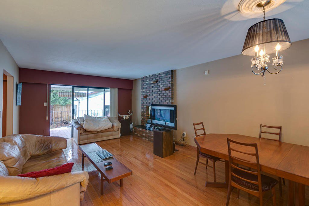"Photo 6: Photos: 11592 195A Street in Pitt Meadows: South Meadows House for sale in ""CENTRAL MEADOWS"" : MLS®# R2130618"