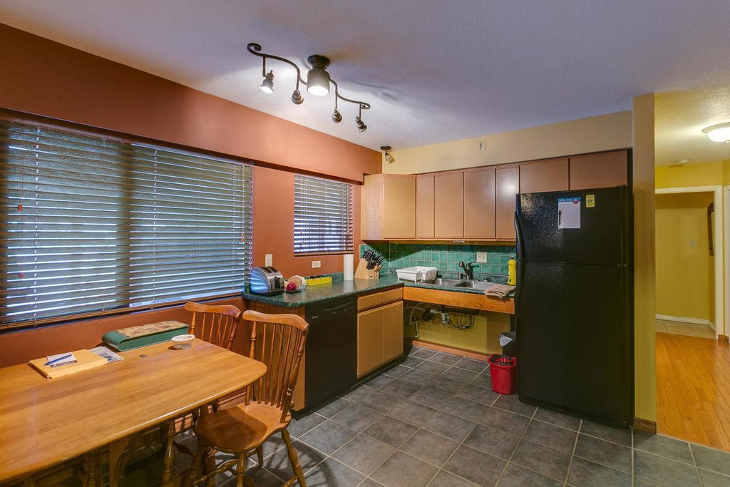 "Photo 9: Photos: 11592 195A Street in Pitt Meadows: South Meadows House for sale in ""CENTRAL MEADOWS"" : MLS®# R2130618"