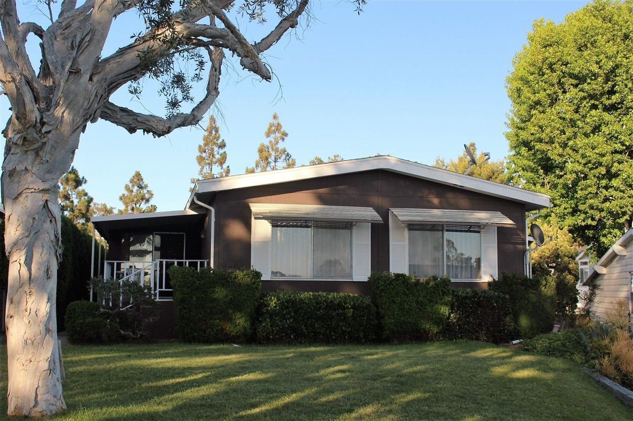 Main Photo: CARLSBAD SOUTH Manufactured Home for sale : 2 bedrooms : 7337 San Bartolo in Carlsbad