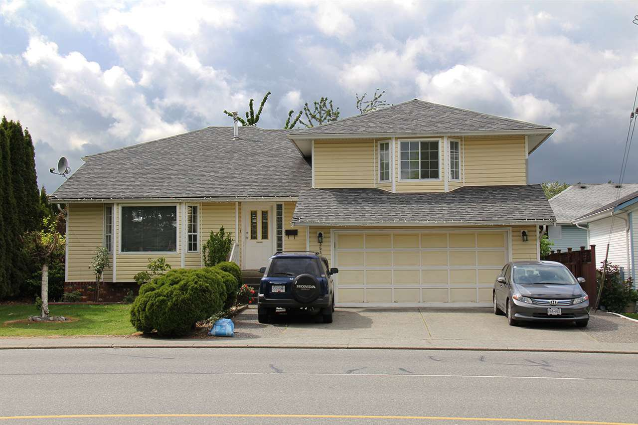 Main Photo: 3533 TRETHEWEY Street in Abbotsford: Abbotsford West House for sale : MLS®# R2186926