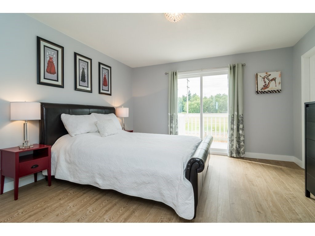 Photo 16: Photos: 21112 95A Avenue in Langley: Walnut Grove House for sale : MLS®# R2198138