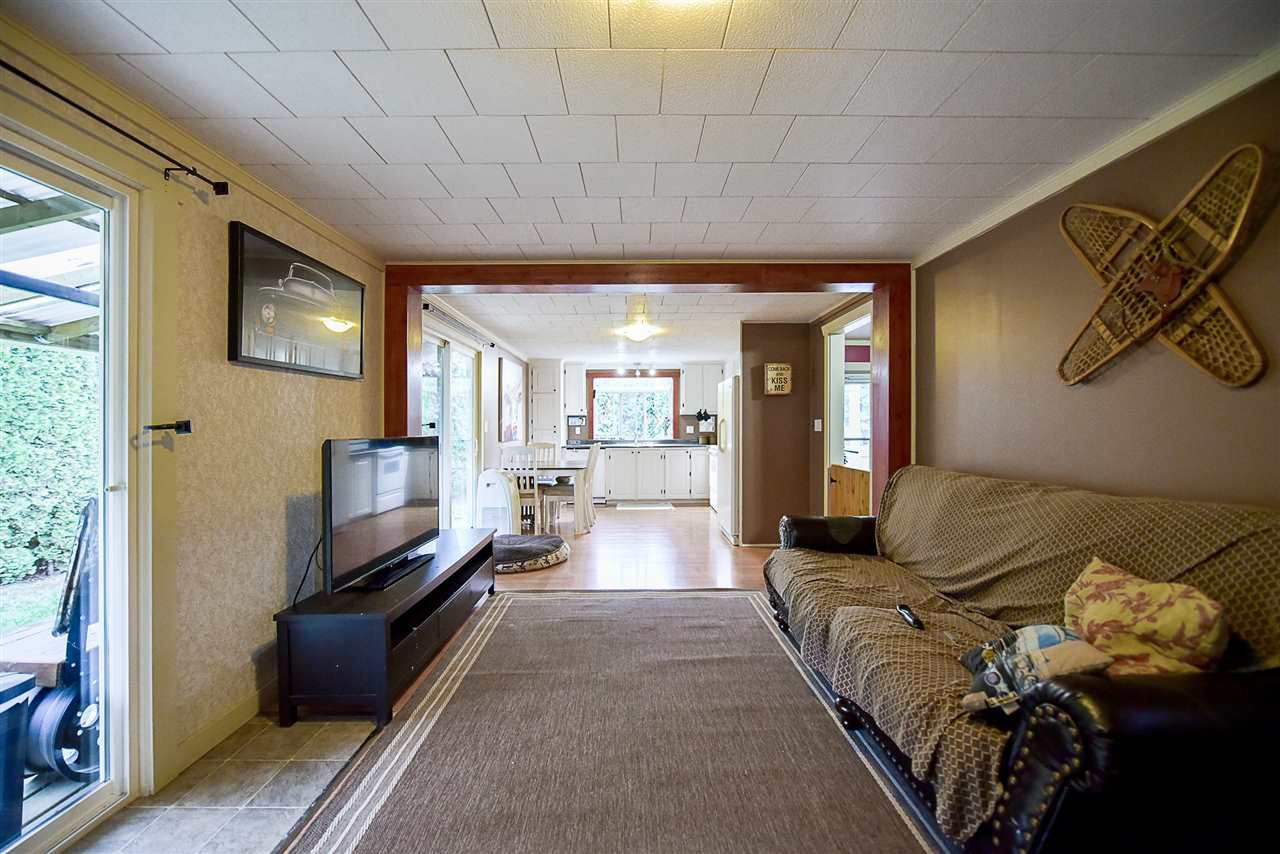 Photo 9: Photos: 31555 OAKRIDGE Crescent in Abbotsford: Poplar Manufactured Home for sale : MLS®# R2208110