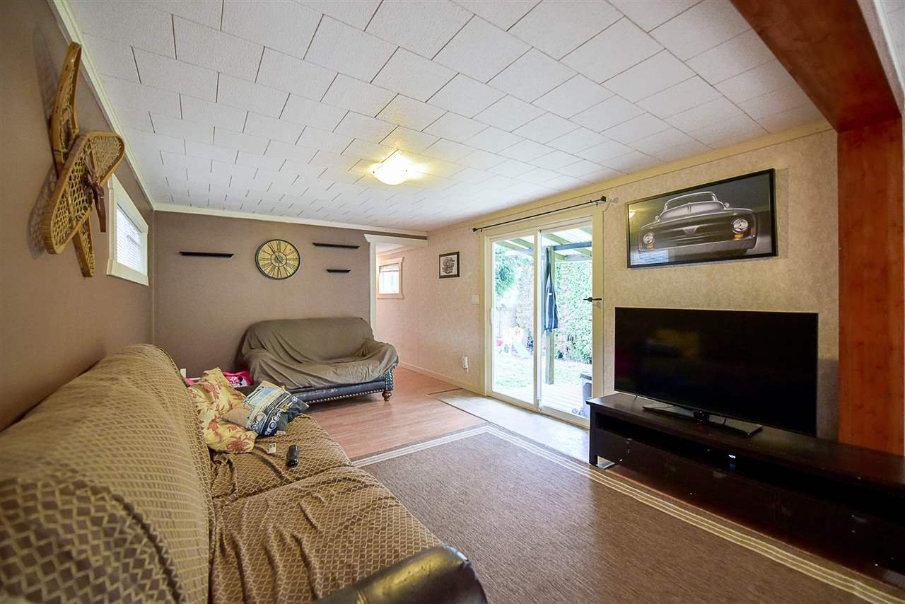Photo 8: Photos: 31555 OAKRIDGE Crescent in Abbotsford: Poplar Manufactured Home for sale : MLS®# R2208110
