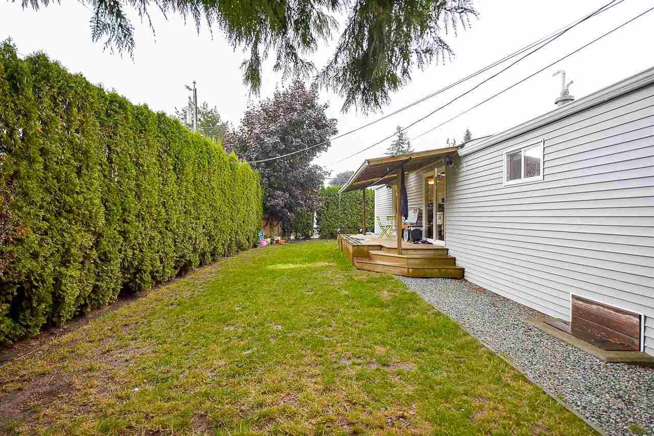 Photo 18: Photos: 31555 OAKRIDGE Crescent in Abbotsford: Poplar Manufactured Home for sale : MLS®# R2208110