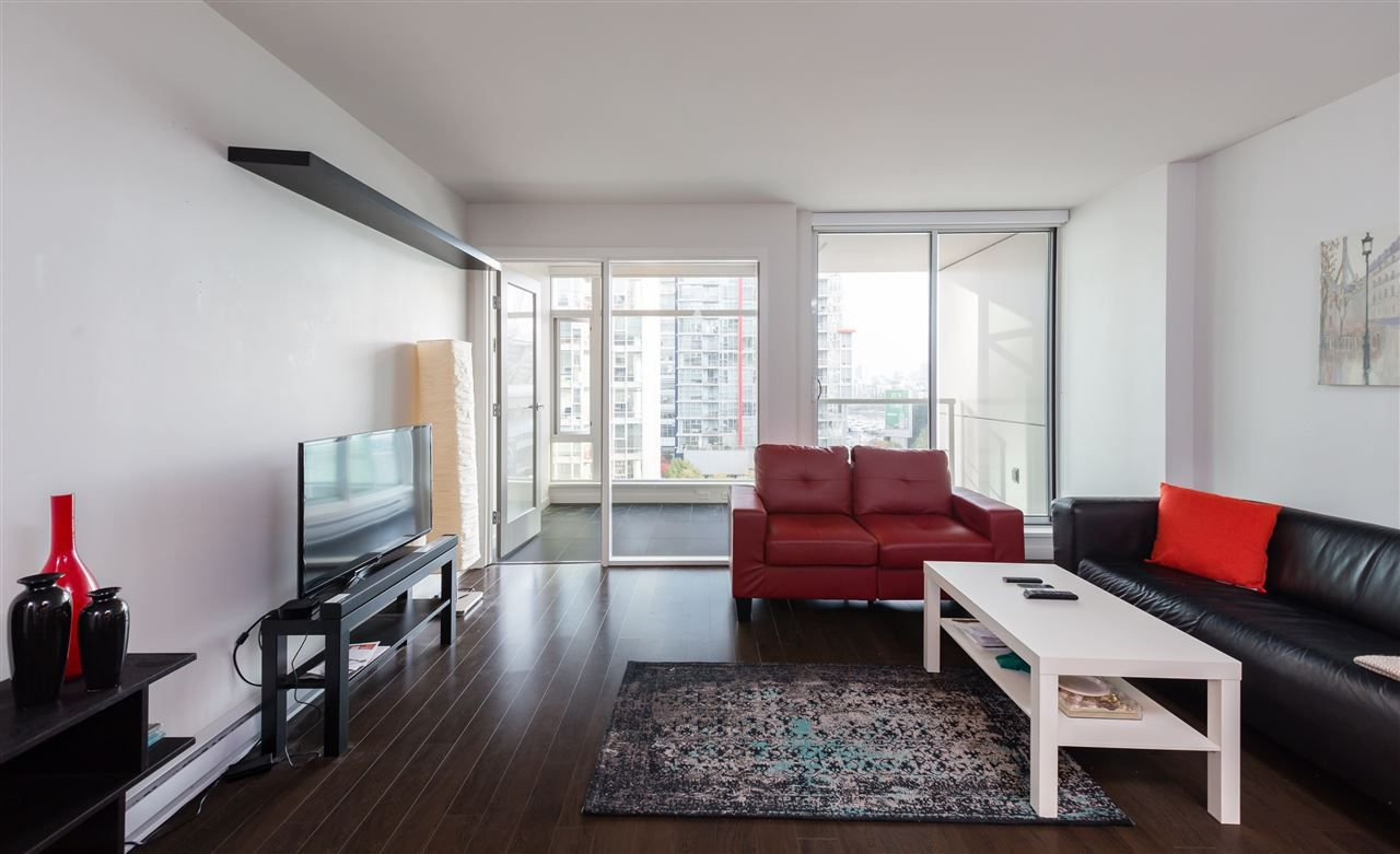 "Main Photo: 917 161 W GEORGIA Street in Vancouver: Downtown VW Condo for sale in ""COSMO"" (Vancouver West)  : MLS®# R2223501"