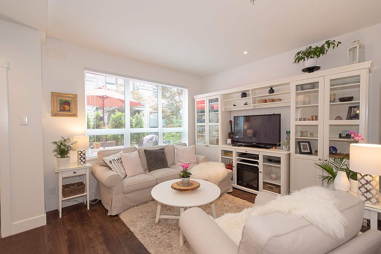 "Main Photo: 4 3508 MT SEYMOUR Parkway in North Vancouver: Northlands Townhouse for sale in ""Parkgate"" : MLS®# R2282114"