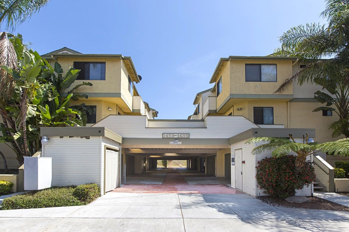 Main Photo: IMPERIAL BEACH Condo for sale : 2 bedrooms : 1463 Hemlock  Ave.