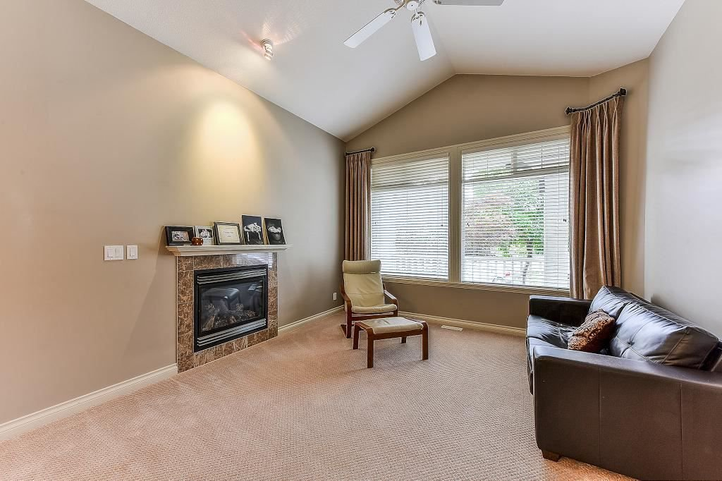 "Photo 2: Photos: 16867 79 Avenue in Surrey: Fleetwood Tynehead House for sale in ""FALCON RIDGE ESTATES"" : MLS®# R2313604"