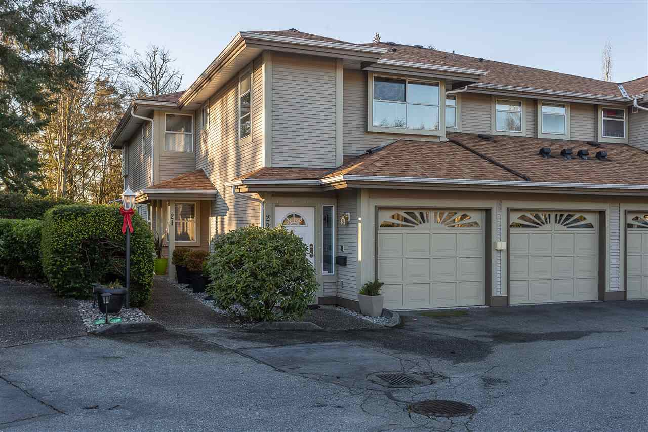 "Main Photo: 21 12071 232B Street in Maple Ridge: East Central Townhouse for sale in ""CREEKSIDE GLEN"" : MLS®# R2331301"