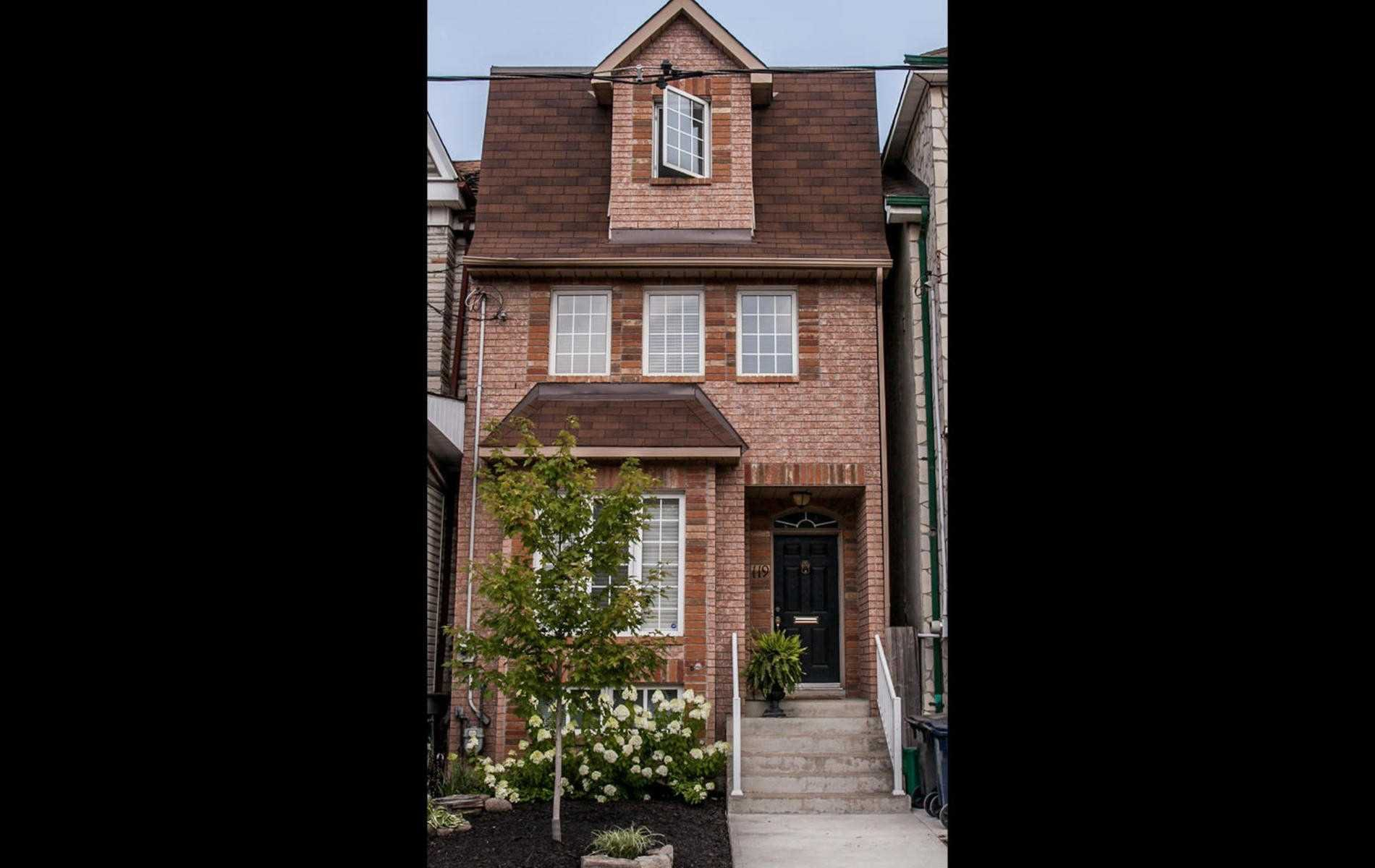 Main Photo: 119 Carlaw Avenue in Toronto: South Riverdale House (3-Storey) for lease (Toronto E01)  : MLS®# E4386176
