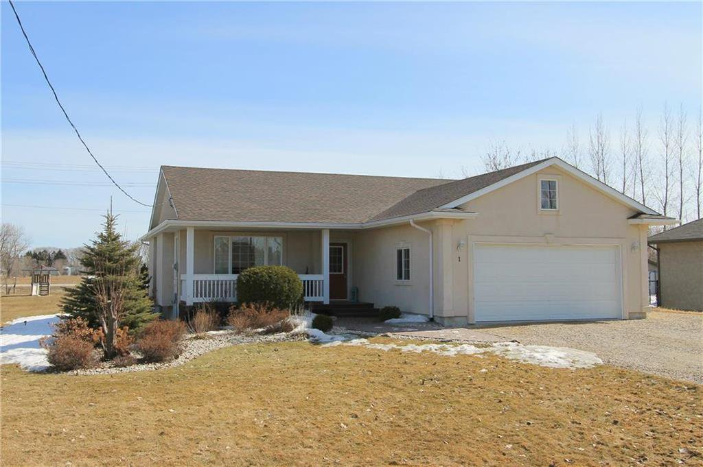Main Photo: 1 BEAVERBROOK Drive in Steinbach: Residential for sale (R16)  : MLS®# 202004493
