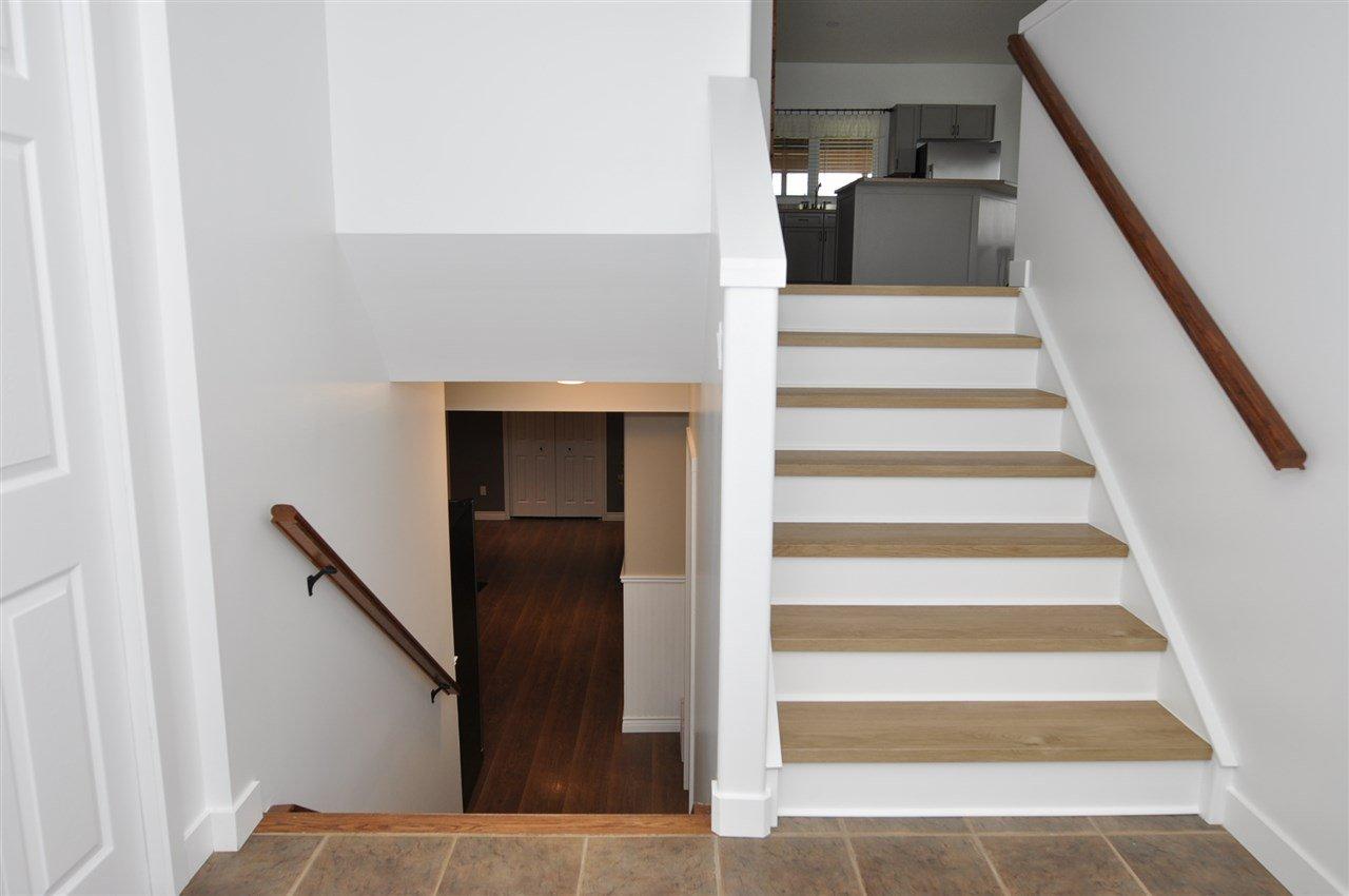Photo 3: Photos: 5406 50A Street: Legal House for sale : MLS®# E4201943