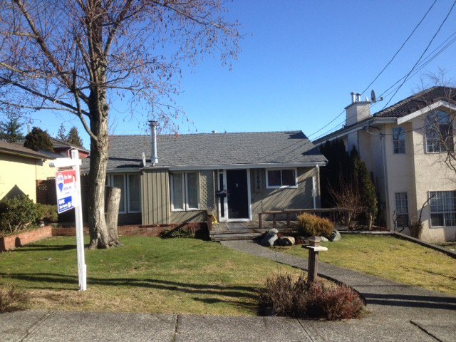 Main Photo: 7696 BURGESS Street in Burnaby: Edmonds BE House for sale (Burnaby East)  : MLS®# V1048532