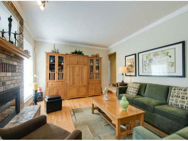 "Photo 8: Photos: 7473 150A Street in Surrey: East Newton House for sale in ""CHIMNEY HILLS"" : MLS®# F1406656"