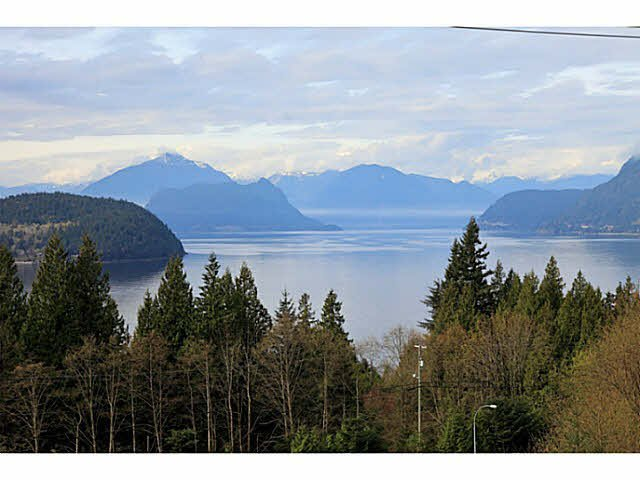 """Main Photo: 8513 SEASCAPE Drive in West Vancouver: Howe Sound Townhouse for sale in """"SEASCAPES - BELLEVUE PLAN"""" : MLS®# V1113049"""