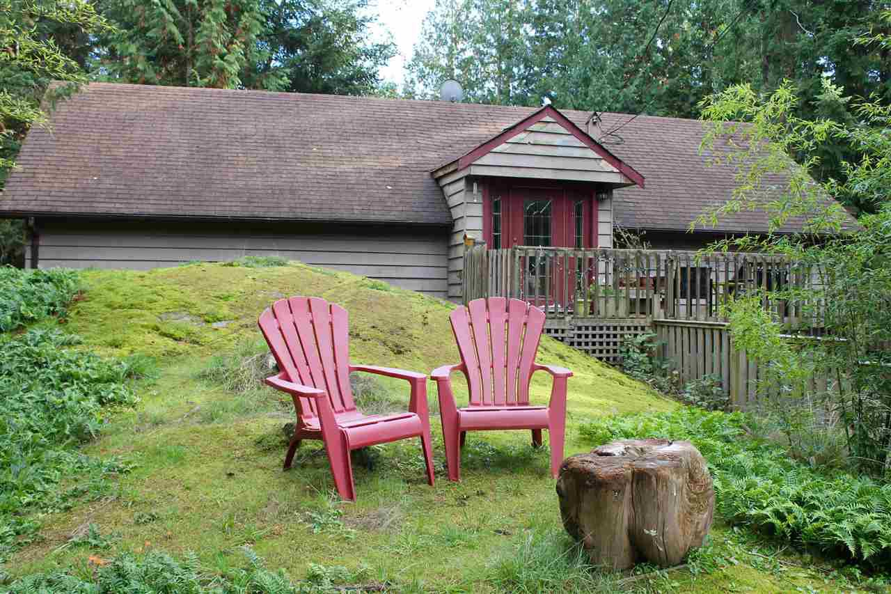 Main Photo: 2253 GAIL Road in Gibsons: Roberts Creek House for sale (Sunshine Coast)  : MLS®# R2010908