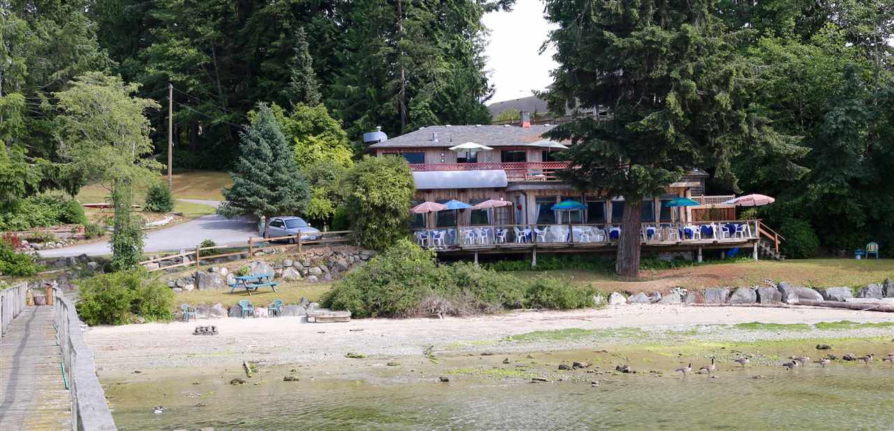 Main Photo: 5951 DELTA Road in Sechelt: Sechelt District House for sale (Sunshine Coast)  : MLS®# R2076157