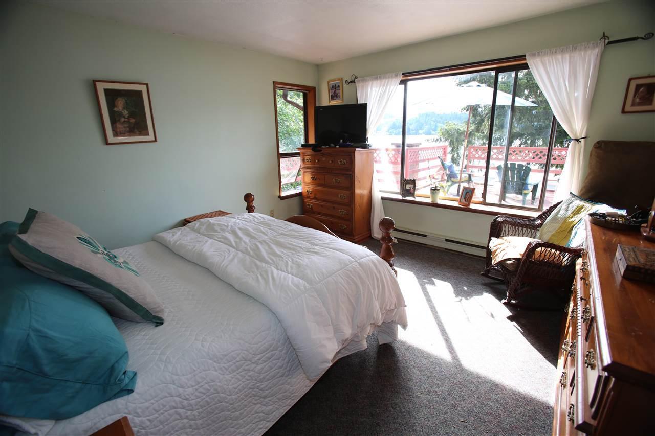 Photo 17: Photos: 5951 DELTA Road in Sechelt: Sechelt District House for sale (Sunshine Coast)  : MLS®# R2076157