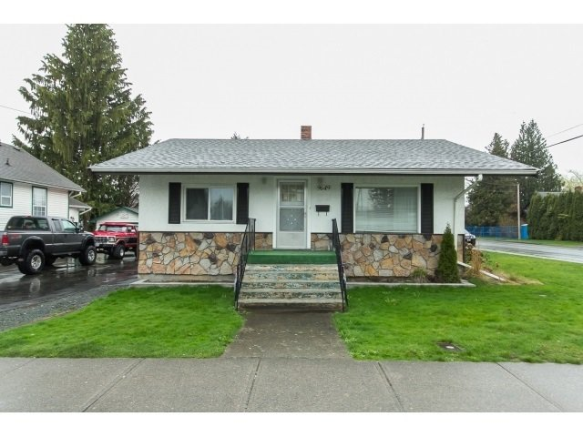 Main Photo: 9649 YOUNG Road in Chilliwack: Chilliwack N Yale-Well House for sale : MLS®# R2094522