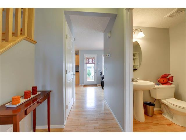 Photo 5: Photos: 78 EVERWILLOW Circle SW in Calgary: Evergreen House for sale : MLS®# C4083870