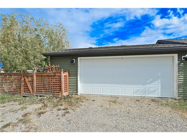 Photo 17: Photos: 78 EVERWILLOW Circle SW in Calgary: Evergreen House for sale : MLS®# C4083870