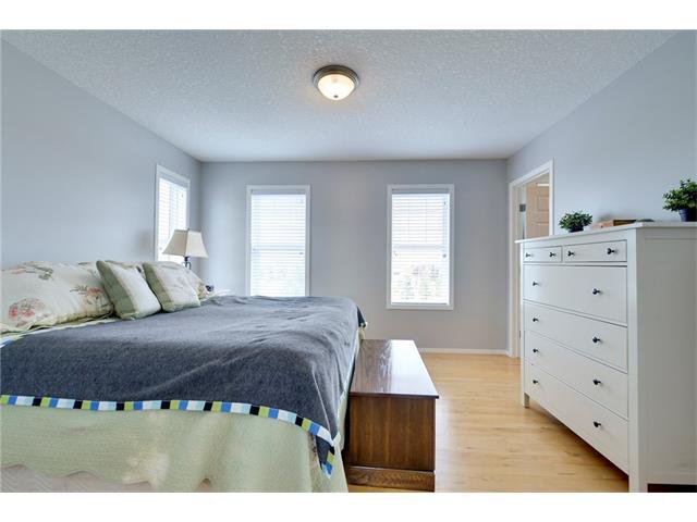 Photo 10: Photos: 78 EVERWILLOW Circle SW in Calgary: Evergreen House for sale : MLS®# C4083870
