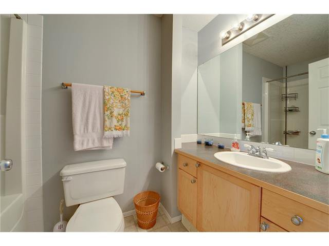 Photo 15: Photos: 78 EVERWILLOW Circle SW in Calgary: Evergreen House for sale : MLS®# C4083870