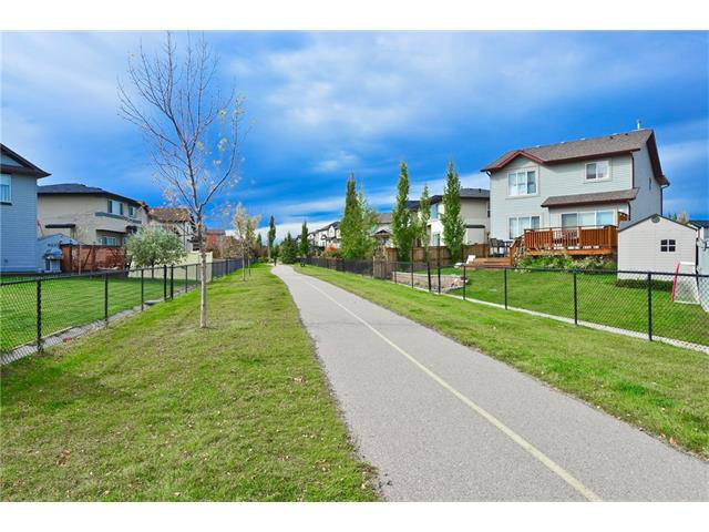 Photo 21: Photos: 78 EVERWILLOW Circle SW in Calgary: Evergreen House for sale : MLS®# C4083870