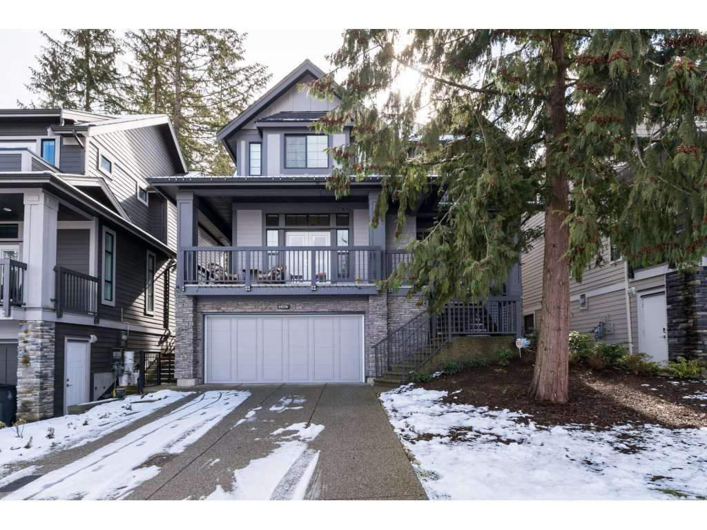 Main Photo: 15776 MOUNTAIN VIEW Drive in Surrey: Grandview Surrey House for sale (South Surrey White Rock)  : MLS®# R2145036