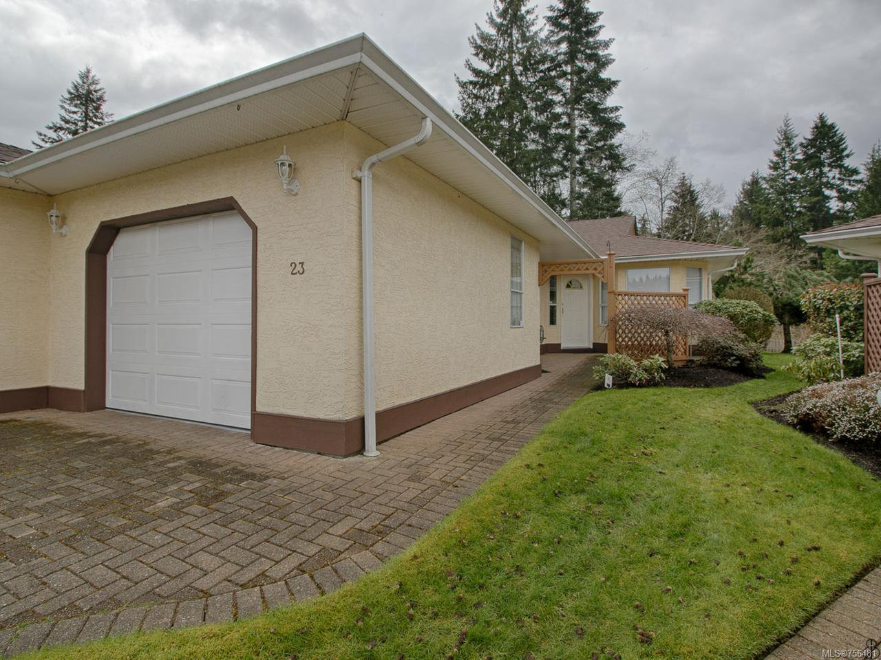 Main Photo: 23 605 Rockland Rd in CAMPBELL RIVER: CR Campbell River Central Row/Townhouse for sale (Campbell River)  : MLS®# 756481