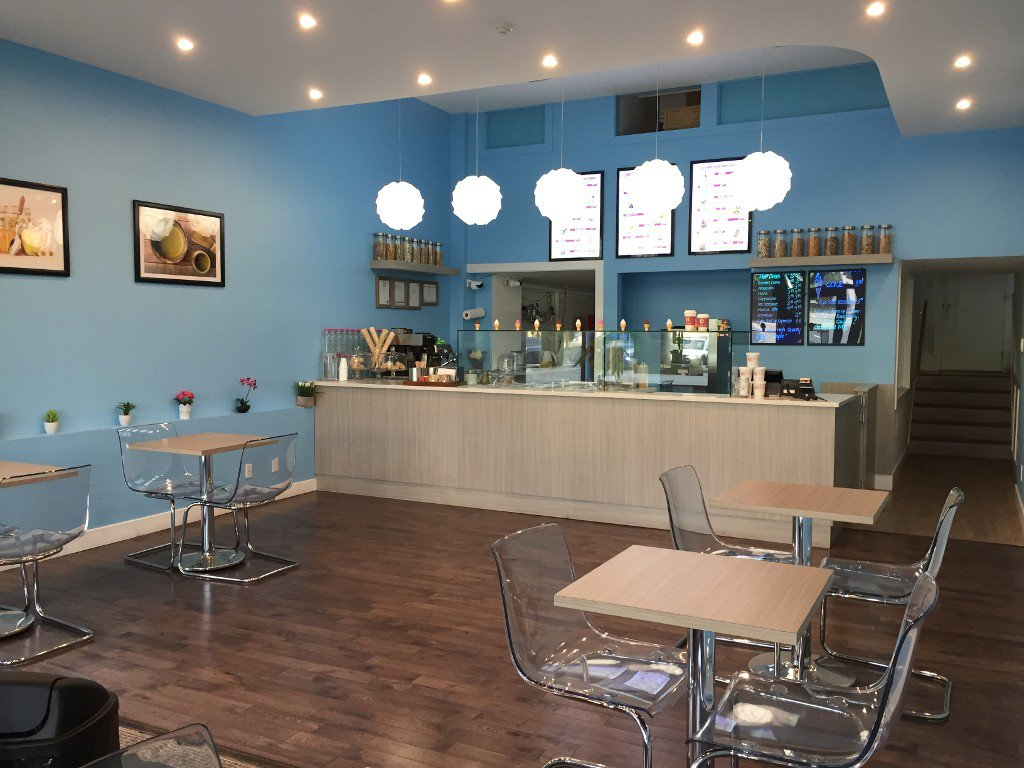 Main Photo: ~ ICE CREAM PARLOUR ~ in : Vancouver Business for sale : MLS®# C8012987