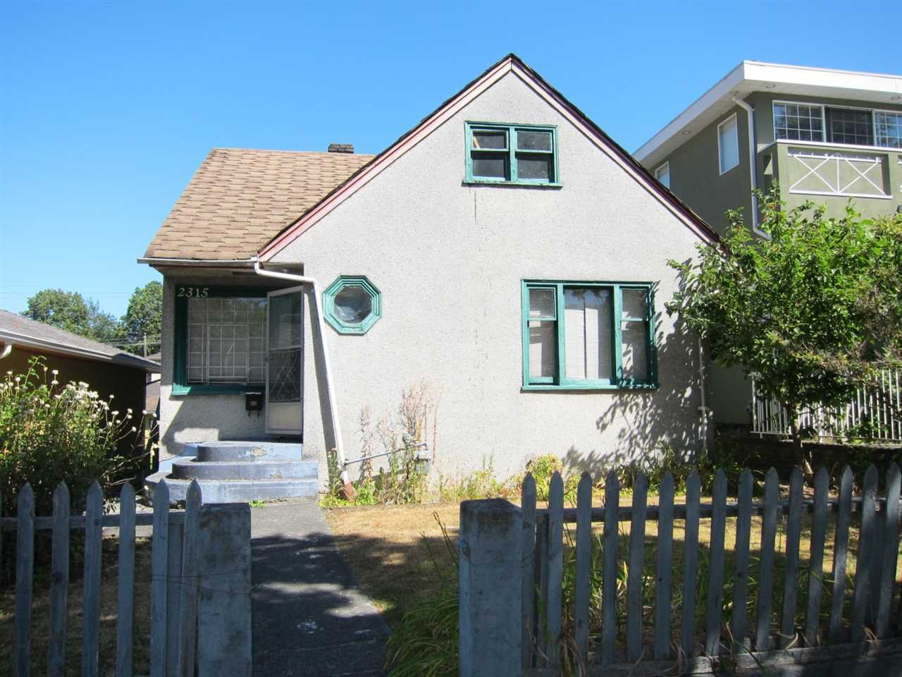 Main Photo: 2315 E 5TH Avenue in Vancouver: Grandview VE House for sale (Vancouver East)  : MLS®# R2200122