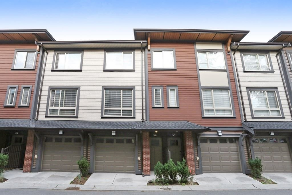 "Main Photo: 34 16127 87 Avenue in Surrey: Fleetwood Tynehead Townhouse for sale in ""Academy"" : MLS®# R2213641"
