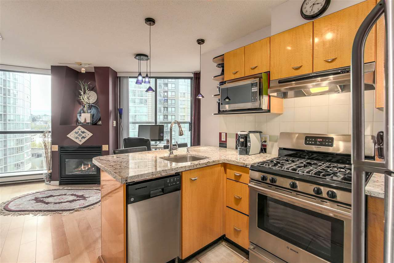 """Main Photo: 803 501 PACIFIC Street in Vancouver: Downtown VW Condo for sale in """"THE 501"""" (Vancouver West)  : MLS®# R2259702"""