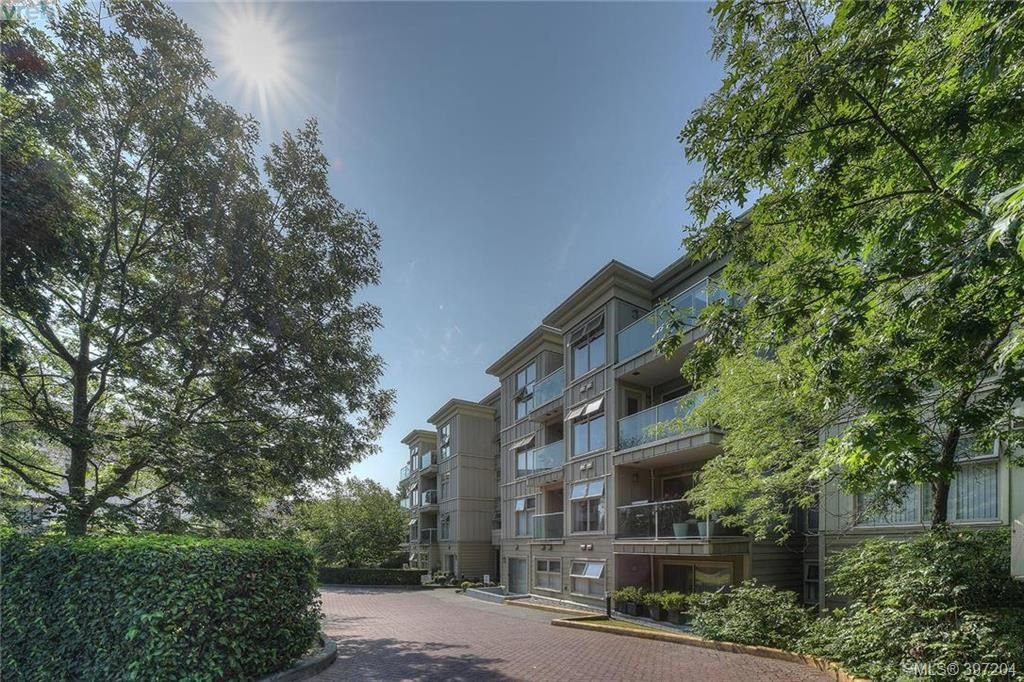 Main Photo: 406 535 Manchester Road in VICTORIA: Vi Burnside Condo Apartment for sale (Victoria)  : MLS®# 397204