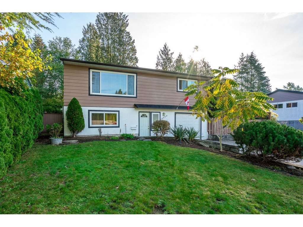 Main Photo: 12092 211TH Street in Maple Ridge: Northwest Maple Ridge House for sale : MLS®# R2314804