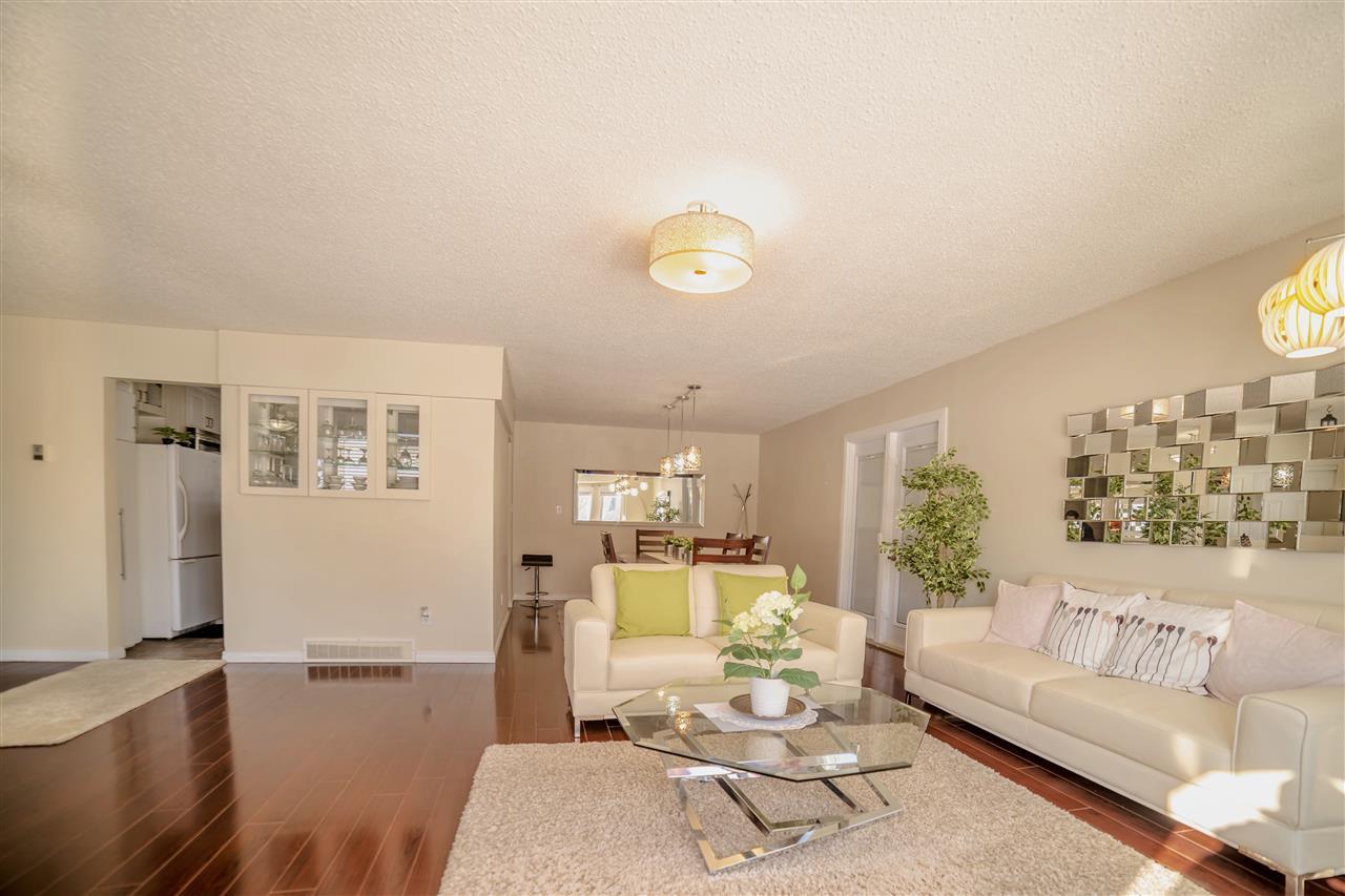 Main Photo: 6778 39 Avenue in Edmonton: Zone 29 House for sale : MLS®# E4145731