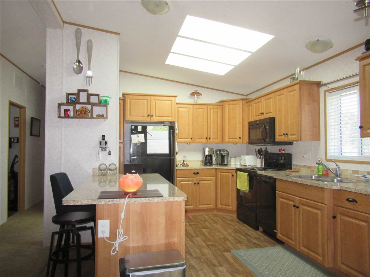"Photo 4: Photos: 4275 N CLEAR Road in Williams Lake: Williams Lake - Rural North Manufactured Home for sale in ""WILDWOOD"" (Williams Lake (Zone 27))  : MLS®# R2357935"