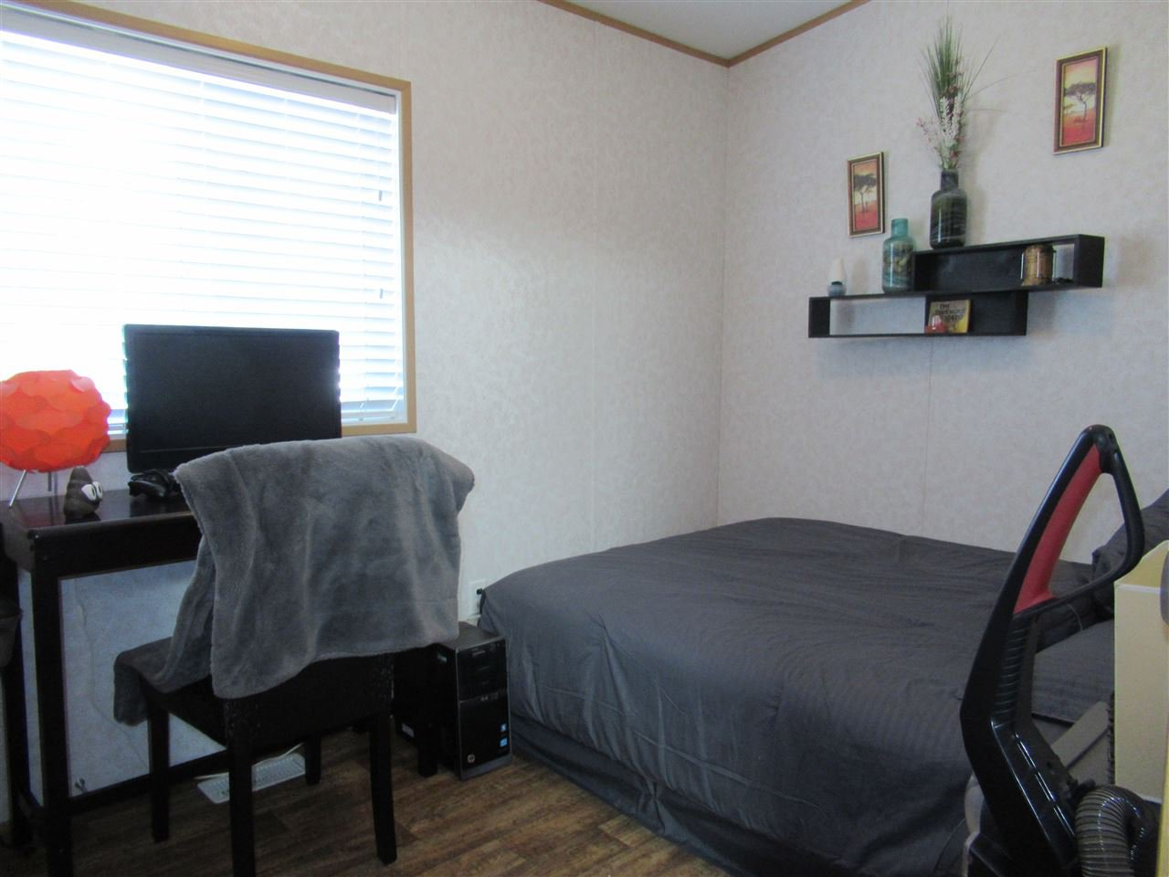 "Photo 12: Photos: 4275 N CLEAR Road in Williams Lake: Williams Lake - Rural North Manufactured Home for sale in ""WILDWOOD"" (Williams Lake (Zone 27))  : MLS®# R2357935"