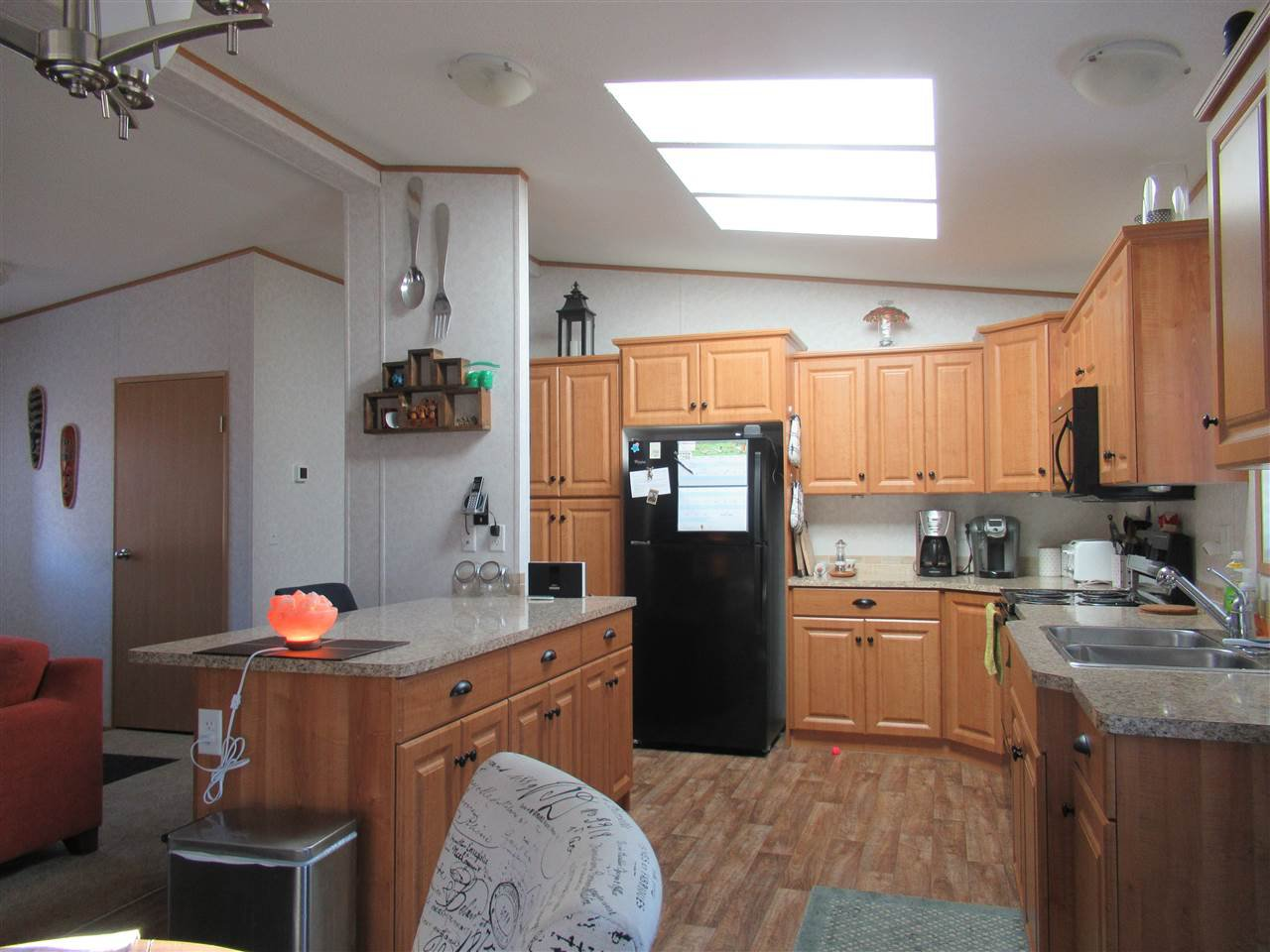 "Photo 5: Photos: 4275 N CLEAR Road in Williams Lake: Williams Lake - Rural North Manufactured Home for sale in ""WILDWOOD"" (Williams Lake (Zone 27))  : MLS®# R2357935"