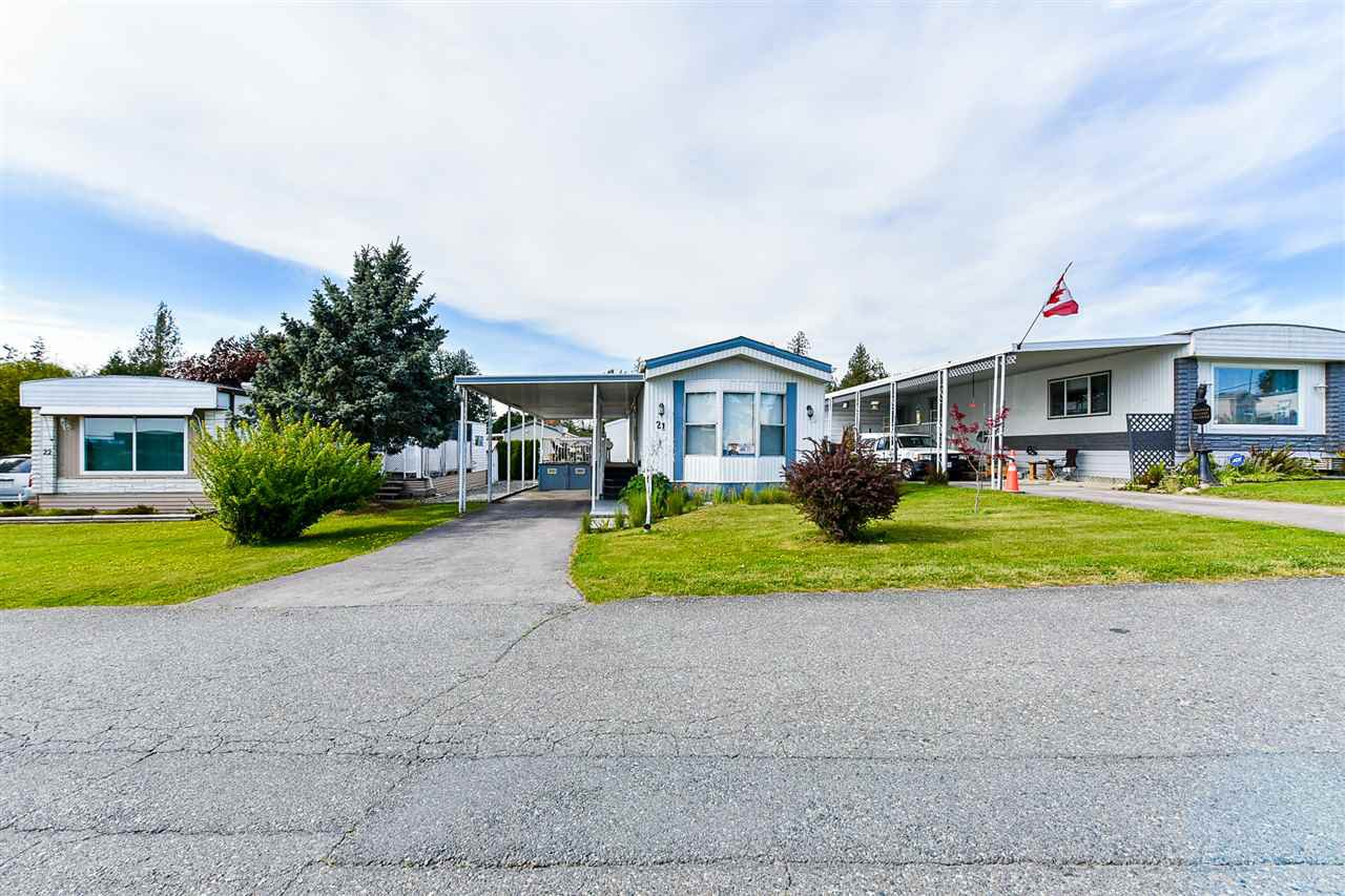 "Main Photo: 21 2035 MARTENS Street in Abbotsford: Poplar Manufactured Home for sale in ""Maplewood estates"" : MLS®# R2368618"