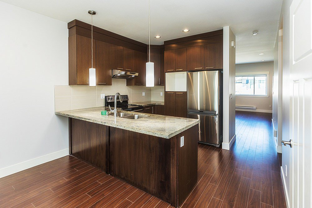 """Photo 4: Photos: 30 30748 CARDINAL Avenue in Abbotsford: Abbotsford West Townhouse for sale in """"Luna Homes"""" : MLS®# R2371089"""