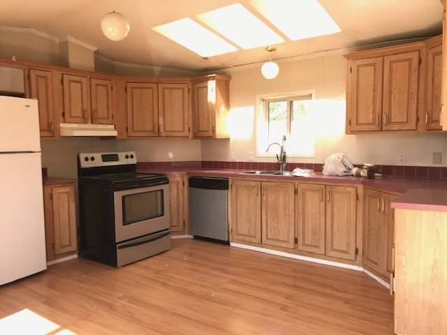 """Photo 6: Photos: 31 2963 KLAHANNI Drive in Fort Nelson: Fort Nelson -Town Manufactured Home for sale in """"KLAHANNI PARK"""" (Fort Nelson (Zone 64))  : MLS®# R2377854"""