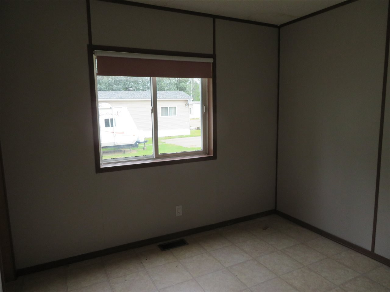 """Photo 7: Photos: 31 2963 KLAHANNI Drive in Fort Nelson: Fort Nelson -Town Manufactured Home for sale in """"KLAHANNI PARK"""" (Fort Nelson (Zone 64))  : MLS®# R2377854"""