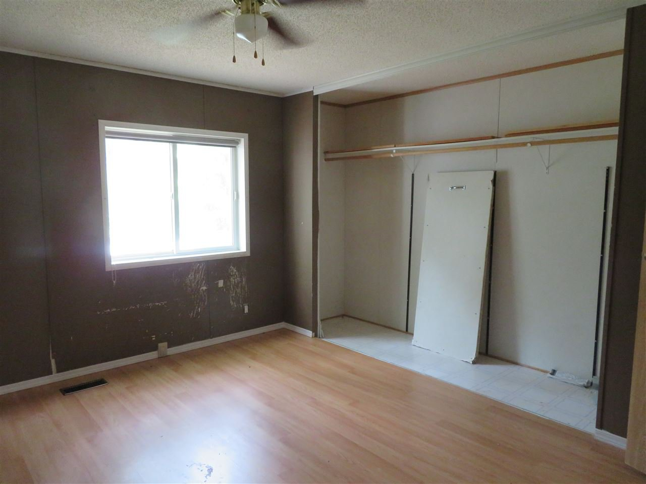 """Photo 10: Photos: 31 2963 KLAHANNI Drive in Fort Nelson: Fort Nelson -Town Manufactured Home for sale in """"KLAHANNI PARK"""" (Fort Nelson (Zone 64))  : MLS®# R2377854"""