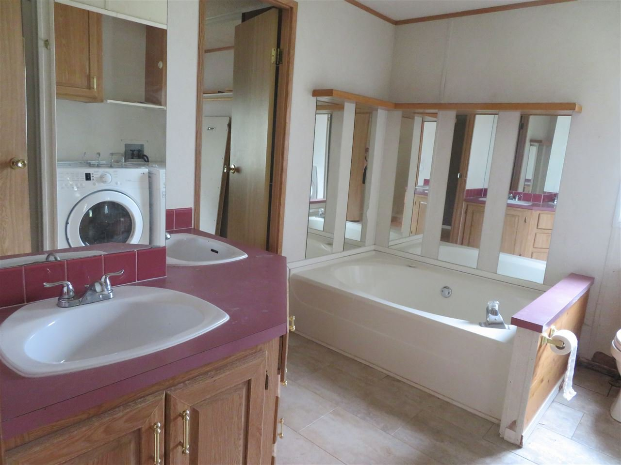 """Photo 12: Photos: 31 2963 KLAHANNI Drive in Fort Nelson: Fort Nelson -Town Manufactured Home for sale in """"KLAHANNI PARK"""" (Fort Nelson (Zone 64))  : MLS®# R2377854"""