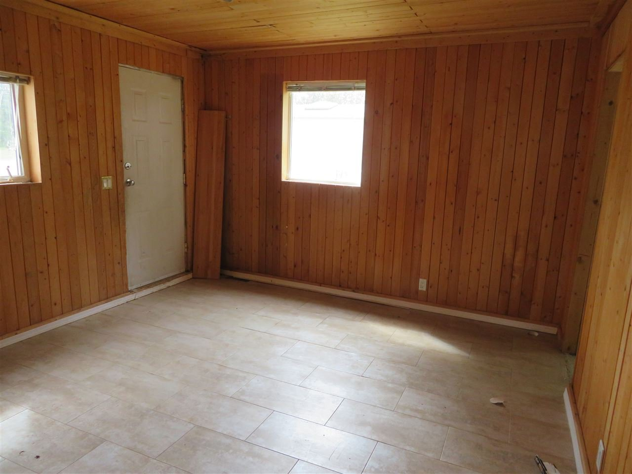 """Photo 8: Photos: 31 2963 KLAHANNI Drive in Fort Nelson: Fort Nelson -Town Manufactured Home for sale in """"KLAHANNI PARK"""" (Fort Nelson (Zone 64))  : MLS®# R2377854"""