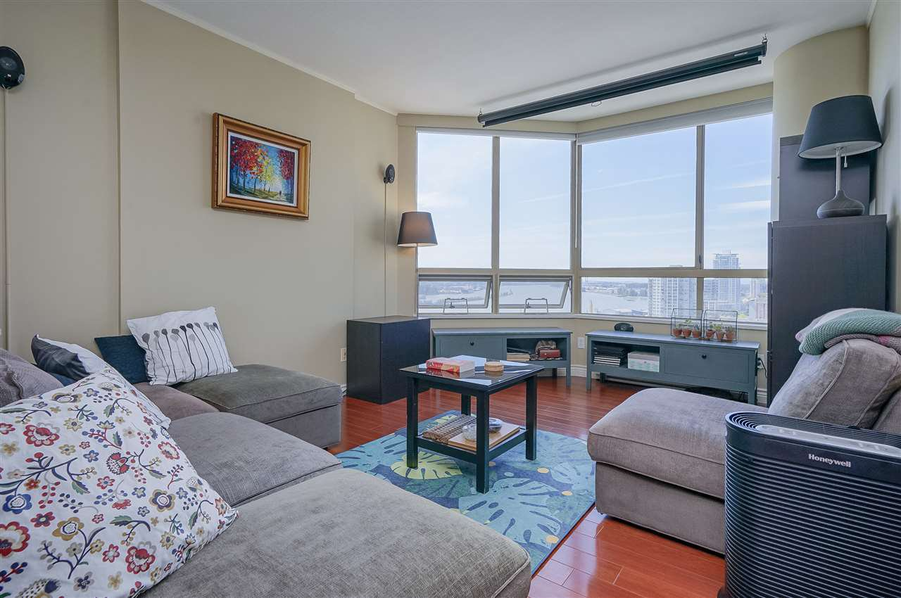 """Photo 2: Photos: 903 328 CLARKSON Street in New Westminster: Downtown NW Condo for sale in """"Highbourne Towers"""" : MLS®# R2381297"""