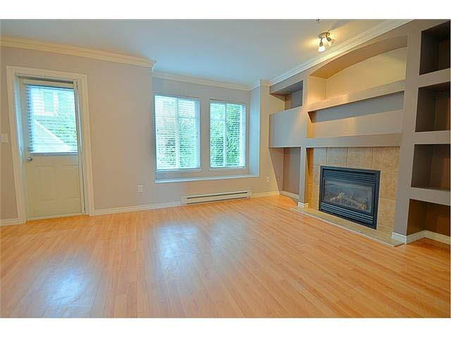 "Photo 5: Photos: 39 19141 124TH Avenue in Pitt Meadows: Mid Meadows Townhouse for sale in ""MEADOWVIEW ESTATES"" : MLS®# V1143058"