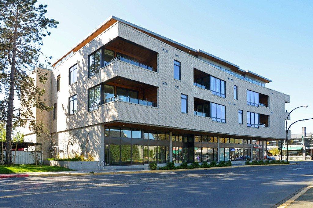 Main Photo: 208 1969 Oak Bay Avenue in VICTORIA: Vi Fairfield East Condo Apartment for sale (Victoria)  : MLS®# 363073